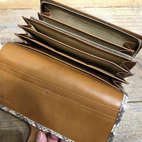 【国産・サンレミー(SUNREMY)】『Ez'sPYTHON/イージスパイソン』逆染め加工・日本製パイソンレザー/ヘビ革・ベロ付きホック留めかぶせ長財布(61929)メンズ/レディース