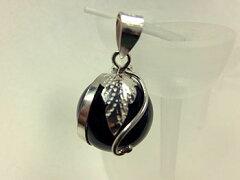 【光球・ブラック】シルバー 925 アクセサリー オニキス球に少しシルバーをあしらったペンダ...