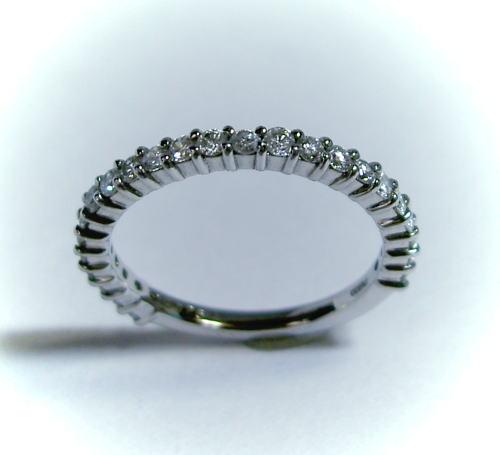 プラチナ ダイヤモンド0.5ct ハーフエタニティリング(指輪)♪