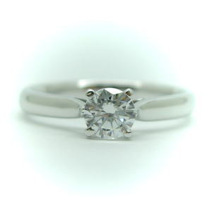 0.2ct.D-VS1-3EX(H&C)PTプラチナ婚約指輪(エンゲージリング)ダイヤモンドリング、4本爪 鑑定書付)