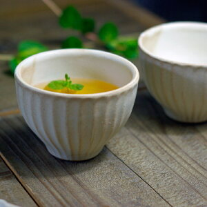 益子焼kinariしのぎくつろぎカップ(湯のみ/小サイズ/生成り/食洗機対応/電子レンジ使用可)