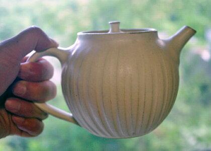 kinariのまん丸急須しのぎポット急須茶漉し付き陶器益子焼日本製焼き物きゅうすおしゃれ紅茶ポットハーブティーポットティータイムポット北欧洋風急須陶器お洒落和食器かわいいデザイン