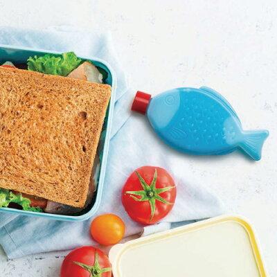 お魚の形のお醤油入れをモチーフにした保冷剤。冷凍庫で凍らせて、繰り返し使えます。