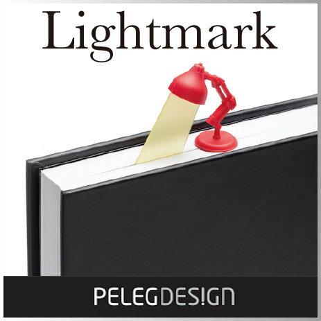 あなたの読んでいるところに光を灯すブックマーク。 アイデアが楽しいライトのデザイン。 読書好きな方へのプレゼントにもどうぞ!
