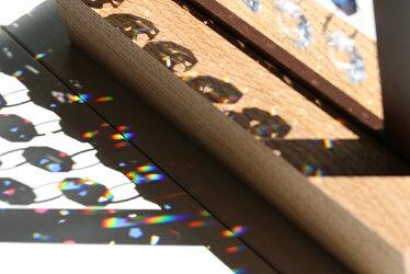 スワロフスキーサンキャッチャー置物Heimdallヘイムダル〜オーロラ〜木製スタンド付き[楽天人気お洒落風水玄関クリスタルガラス水晶ビーズ北欧雑貨引越し祝い新築祝い結婚祝い贈り物プレゼントお返しスワロ即納インテリアギフト]