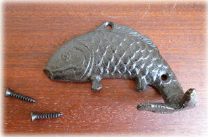 アイアン製魚のテールフック