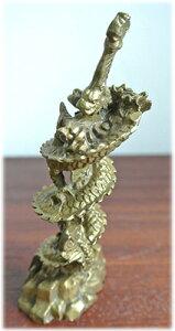 運気UP!真鍮製の倶利伽羅龍剣の置物
