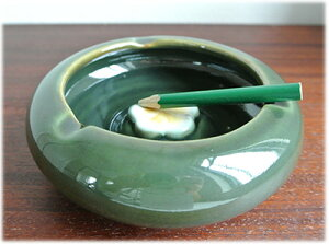 プルメリアの灰皿(グリーン)