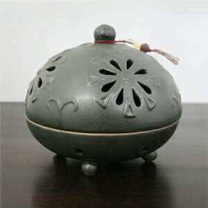 陶器の丸い花柄蚊遣り
