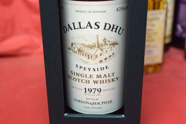 1979 Dallas dew / Gordon & マクファイル 700ML .43%