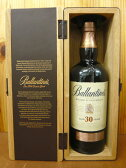 【送料無料】バランタイン 30年 40度 700ml 箱付 木箱入 並行Ballantines Aged 30 Years Very Old Scotch Whisky (DX Wooden Gift Box) 700ml 40%