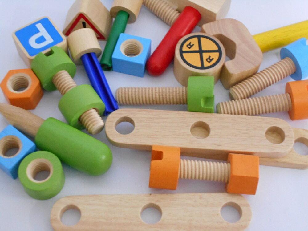 知育玩具  「アクティブ消防車」 I'm TOY社(アイムトイ) 名入れ  1歳 2歳 3歳 おもちゃ 木のおもちゃ 木製玩具 木 大工 誕生日プレゼント 誕生日 プレゼント 木製 木 名入れ