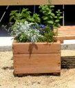シンプルな形の木製プランター。ふたと一緒に使えば屋外用収納としても使えます。スクエア プラ...