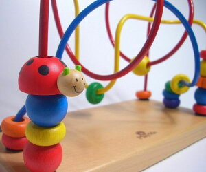 【ルーピング ワイヤートーイ 木のおもちゃ 知育玩具】楽しみながら考える力を養ってくれる...