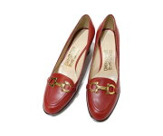 【中古】フェラガモFERRAGAMOレディースパンプス靴金具ガンチー二ロゴ4,5Cレッド系赤ゴールド金人気