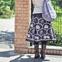 インド綿 巻きスカート ブラックミディアム 花柄 薔薇 ラップスカート ひざ丈 ミモレ丈 エスニック アジアン ファッション 春 夏 森ガール