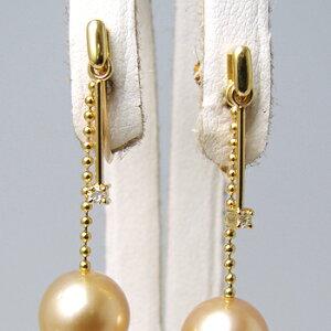 「ゴールドチェーンとダイヤが揺れるイヤリング金具(K18)」