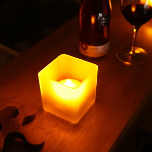 息の吹きかけでの消灯、傾けでの点灯・消灯機能付き火を使わない安全なLEDキャンドルライト!つや消しグラス入り角型フェイクキャンドルLEDプレゼント【あす楽対応】P20Feb16