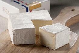 チーズにはワインがやっぱり最高★お酒のおつまみにも♪北海道クレイルさんの本場フランス仕込みの極上「生」カマンベールチーズ【クレイルチーズ カレ】ギフト 贈答用 贈り物 お中元 お歳暮 お取り寄せ 産直 地方発送