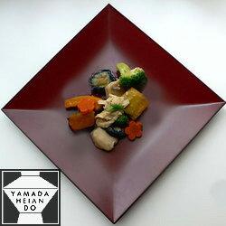 あなたらしい創作料理を四方の優雅な世界に彩って…四方皿【楽ギフ_包装選択】【楽ギフ_のし宛書】【楽ギフ_メッセ入力】【楽ギフ_名入れ】