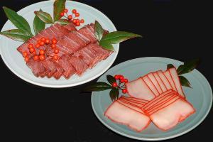 特選!! お刺身用 ミンク鯨の赤身とこれも昔懐かしい 珍味 鯨のベーコンセット消費税込み