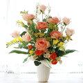 大きなバラの高級感とナチュラル感あふれるフラワーアレンジ