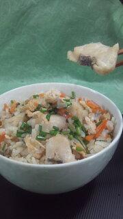 本格炊き込みご飯の素鯛