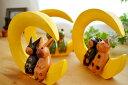 楽天アジアン バリ 猫 雑貨 カエル グッズ 置物 ♪三日月に乗ったアニマルカップル(M)(ネコ/カエル/ウサギ)♪ 【ヤヤパプス】 アジアン雑貨 オブジェ ネコ ウサギ 結婚祝い 木製 エスニック リゾート