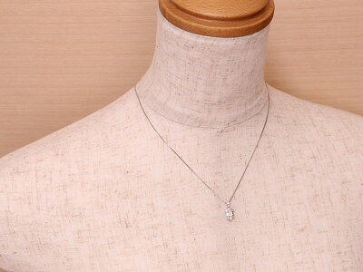 バケットダイヤの上品なPTネックレス合計0.65ct無色透明度際立つ上質ダイヤ1点もの/Ycollectionワイコレクション/送料無料