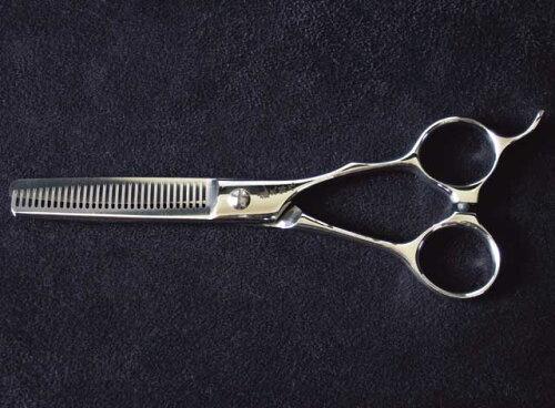 シゲル工業製藤次郎作 梳き鋏5.5インチ 30目 理美容仕様