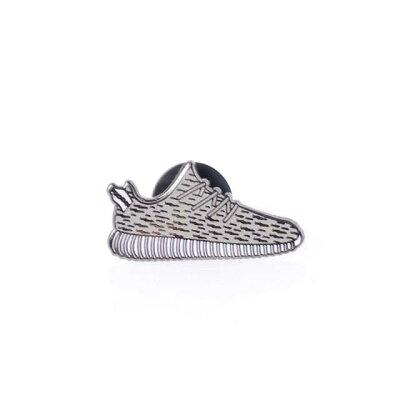 ピントリル (PINTRILL) ピンバッジ Yeezy Sneaker ホワイトp5yeez…