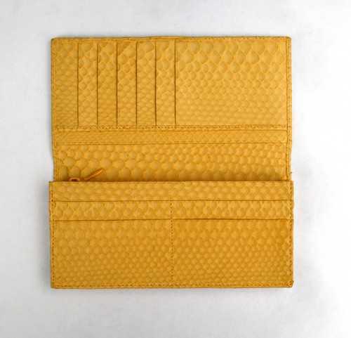 b06469def523 黄金色のヘビ皮財布:万屋京橋 京橋 店☆金運を呼び、幸運を招くパイソン ...