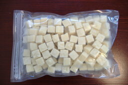 【冷凍豆腐】=【日本初のブランド大豆 、 珠美人】=冷凍豆腐サイコロカット1kg(15mm)【02P25Oct14】