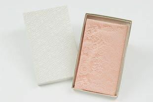 吹,供喜慶事使用的比賽喜愛的錢封小方綢巾吹,粉紅包對應可的禮簽紙的毛筆代筆免費吹,小方綢巾結婚打扮得漂亮,可愛的紅白喜事