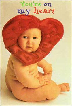 ポストカード 【カラー写真】ハートの被り物を被った赤ちゃん