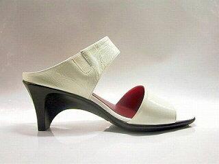 ミュール歩きやすいyurikoshoes黒サンダルミュールヒールウェッジソール革/しわ革エナメル【送料無料】yurikomatsumoto