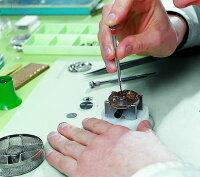 カルティエ手巻き式機械時計分解掃除どんな時計でも修理します。