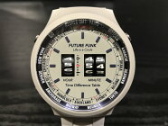 フューチャーファンクローラー式腕時計