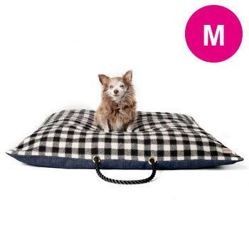 送料無料 / ドッグ クッション ベッド 犬用 Found My Animal ファウンド マイ アニマル / ブラック&ホワイト プラッド・デニム サイズ:M / 海外直輸入 ブランド おしゃれ かわいい マット 枕 / 小型犬 中型犬 大型犬