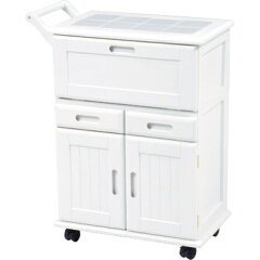 キャスター付きで移動も楽々なシンプルなキッチンワゴン。天板はタイル張りなので熱い鍋、やか...