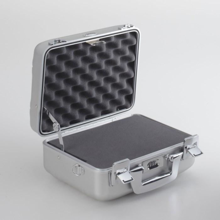 ゼロハリバートン ZEROHALLIBURTON  Cシリーズ  カメラケース 小 94321