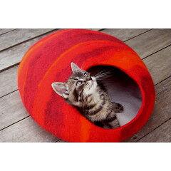 とってもキュートな猫ベッド♪エレベレ ★ elevele ウールフェルト製 猫ハウス レッド