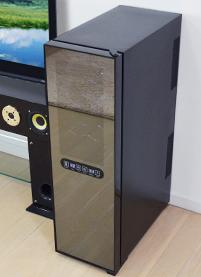 タッチパネル式LED表示 ペルチェ冷却方式ワインセラー45L/16本収納モデルの写真