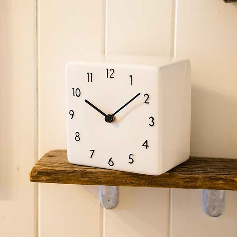 Chambre シャンブル 掛時計 壁掛時計 おしゃれ 時計 CH-010DBKの写真