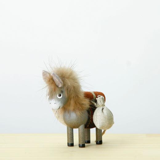 NORDIKA DESIGN ノルディカ ニッセ 人形 袋を運ぶロバ HD1836の写真