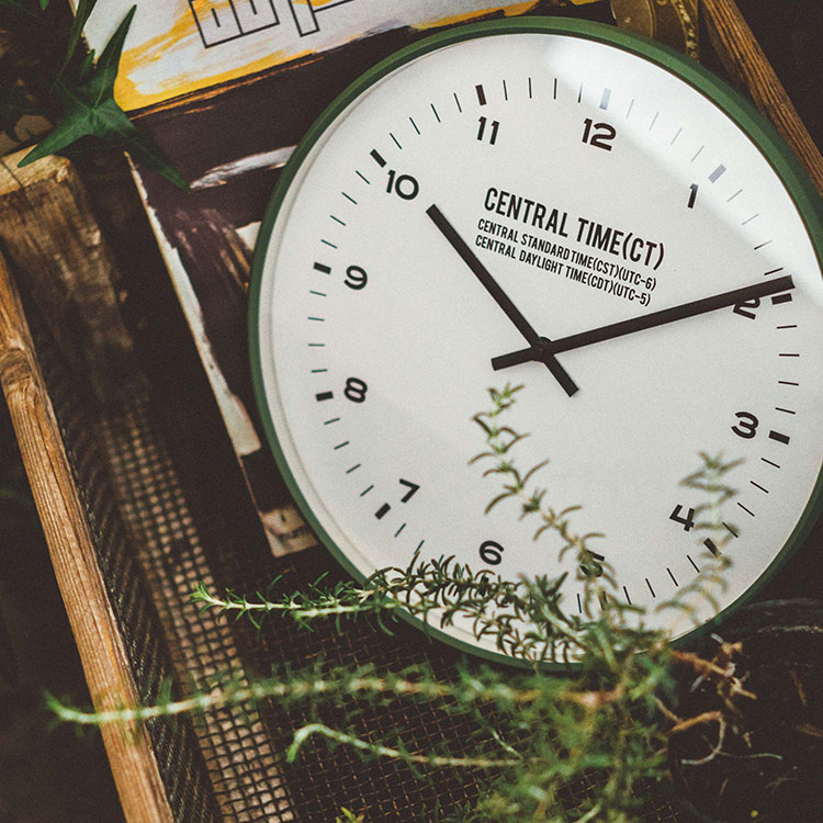 インターフォルム ウォールクロック Central Time セントラルタイム 電波時計 ブラックの写真