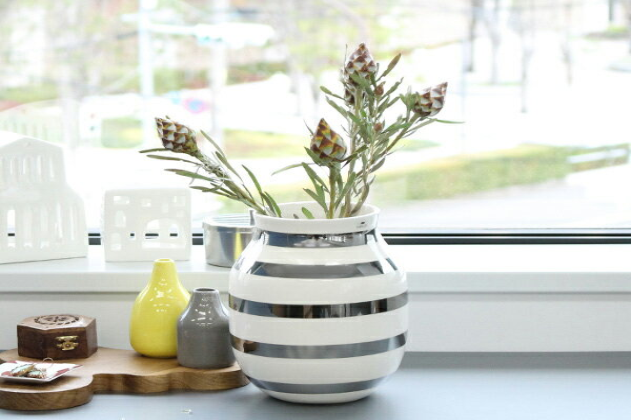 kahler ケーラーomaggio vase オマジオ フラワーベース m  シルバー 1 edium h: の写真